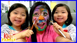 Kids Do Mommy's Make-Up Challenge with Emma and Kate!