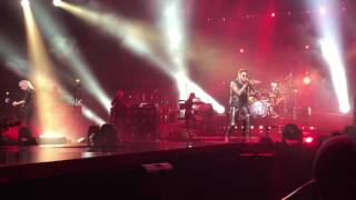 Queen+Adam Lambert-Hammer To Fall/We Will Rock You intro to show live Chicago 7/13/17