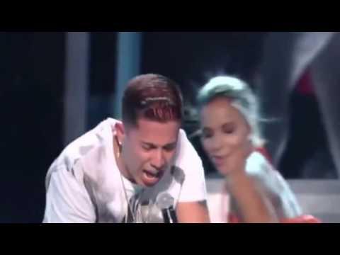 Nicky Jam feat  de la Ghetto J Balvin Arcangel y Zion ' El Perdón' y ' Travesuras'