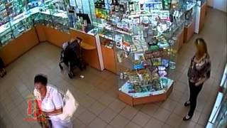 Момент кражи зафиксировали камеры наблюдения(, 2013-08-31T05:13:26.000Z)