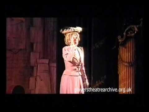 Helen Watson sings 'Oh! Mr. Porter'