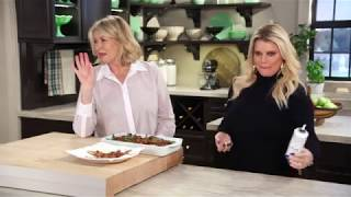 Jessica Simpson and Martha Stewart Make A Green Bean Casserole for Friendsgiving