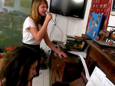 """MARIE au chant et PAULINE au piano """" someone like ..."""