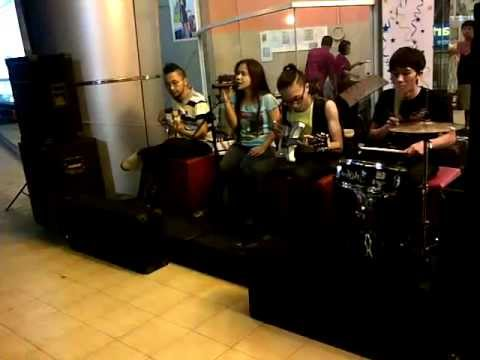 Paramore Cover Ignorance accoustic by INCAT band (Indie Bandung).3GP