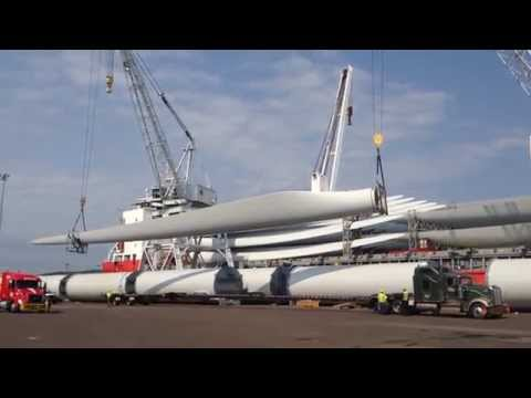Wind Turbine Blades - HHL Tyne offloaded in Duluth Port