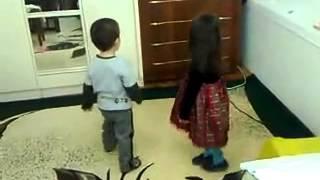 2 х годовалые дети танцуют лезгинку(видео абхазия россия
