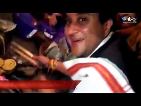 Exclusive Video | Jyotiraditya scindia became cook in shahdol election