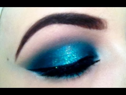 Make Up Tutorial - Teal & Aqua Halo Effect Smokey Eye ...