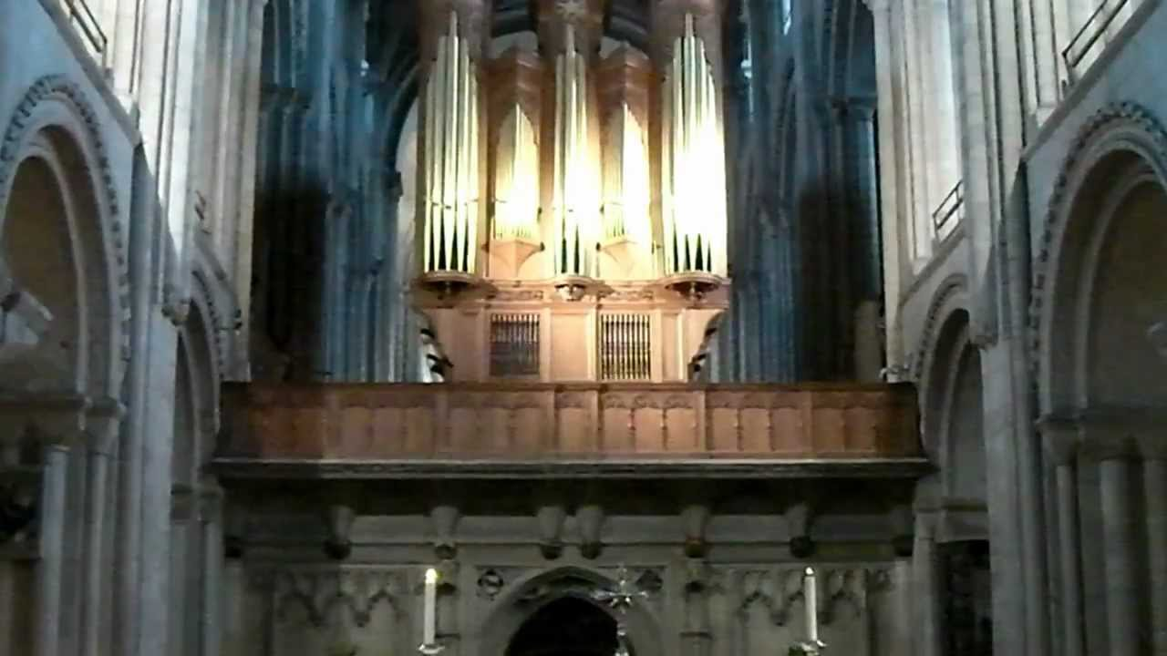 Organ Music during Norwich Cathedral Prayer Service - YouTube