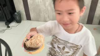 Đố các bạn, bé Mio đang vẽ gì?? | Gia Đình Lý Hải Minh Hà