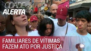 Moradores de Paraisópolis fazem passeata contra violência policial