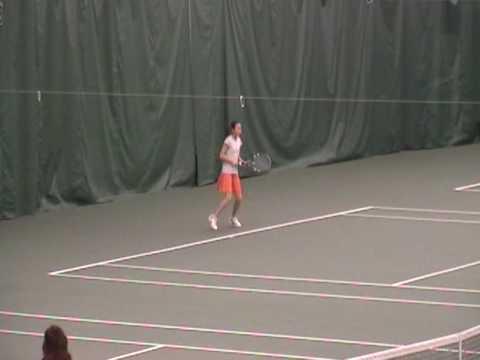 9 years old tennis player against 10 kid