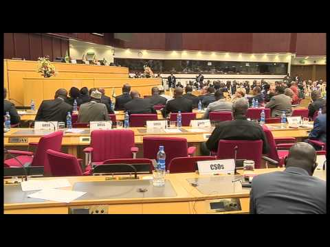 SALVA KIIR ASKED TO SIGN PEACE DEAL OR FACE SANCTIONS