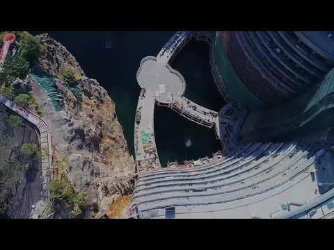 شاهد: إقامة فاخرة في فندق صيني مع الأسماك في مغمورة بالكامل بالمياه…  - 22:54-2018 / 11 / 15