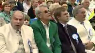 Laulupidu 2004 Hirvo Surva conducting quot Ilus maa quot