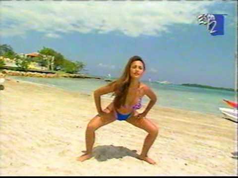 tweeden bikini Leann