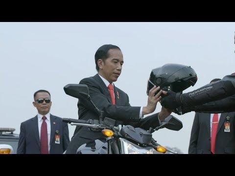 Aksi Presiden Jokowi Naik Moge Ke Stadion GBK