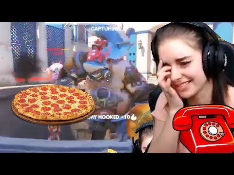 Voice Chat Tries To Order Pizza 🍕