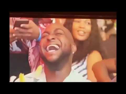 Download Davido Transfer Money To Akpororo Live On Stage After Ending Beef With Him