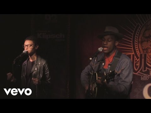 Leon Bridges - Smooth Sailin' (WTTS Sun King Studio 92 powered by Klipsch Audio)