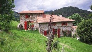 Vakantiehuis Ardèche, gerestaureerde boerderij bij Saint-Félicien, prachtig uitzicht op de bergen.