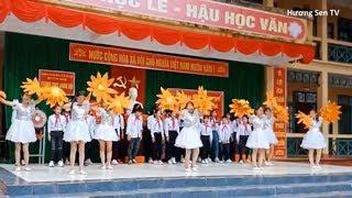 Lễ đón các em học sinh lớp 6    Múa hát mùa thu ngày khai trường