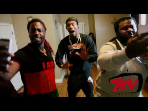 El Hitta - SPEAKS ON TRENDING OVER NIGHT, BOND WITH BO DEAL AND HITLA TIES THE MIXTAPE