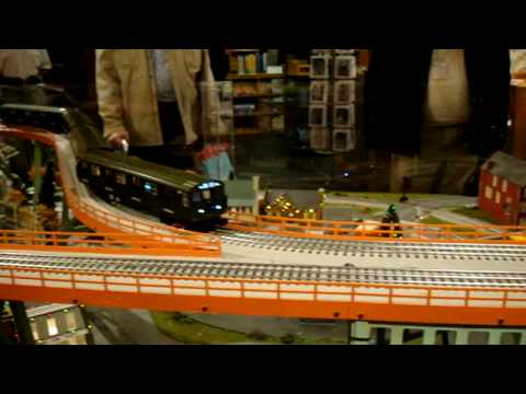 Lionel Model Train Display @ The MTA Transit Museum Store In Grand Central Part One