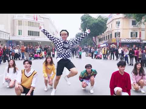 [KPOP IN PUBLIC CHALLENGE] BBOOM BBOOM - Momoland - Dance cover by Oops! Crew Ft. MINGYANG(KINGSMAN)