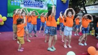 Nhảy bài hát Doraemon