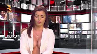 A news anchor with a semi-naked chest😲😲😲