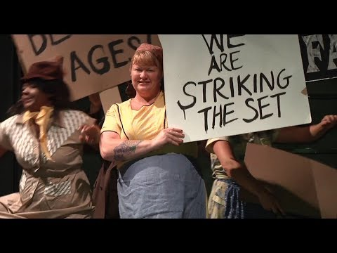 Theatre Dictionary: Strike
