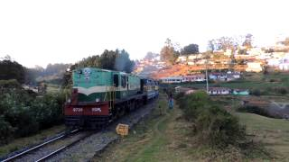 Nilgiri Mountain Railway: YDM-4 at full power approaching Summit