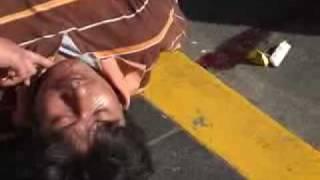 Un vendedor ambulante sufre ataque de epilepsia en el centro de Xalapa.
