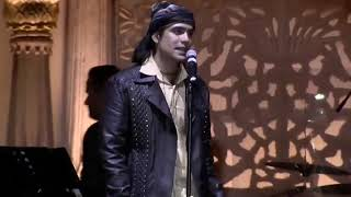 Gambar cover Jubin Nautiyal Live Performance In Noida on 09/11/19 Zindagi Kuch Toh Bata
