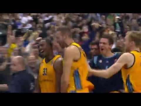 Alba Berlin game-winning buzzer beater to defeat the defending NBA champion Spurs in preseason