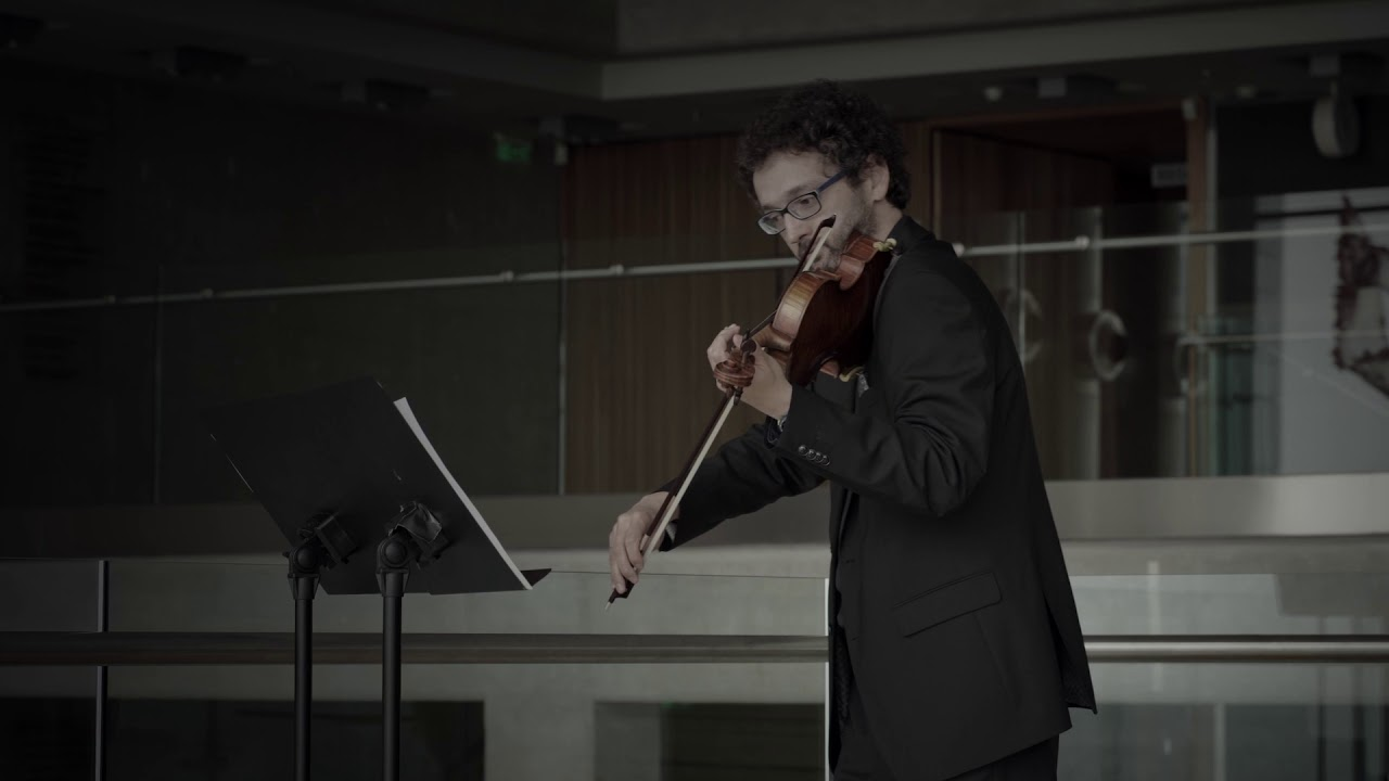 ΜΕΝΟΥΜΕ ΕΝΕΡΓΟΙ, ΜΕΝΟΥΜΕ ΑΣΦΑΛΕΙΣ… «Sequenza for two violins» του Σίμου Παπάνα