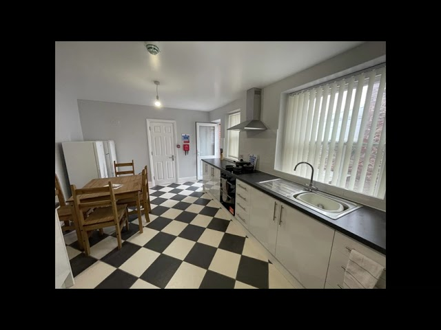 Newly refurbished shared home Main Photo