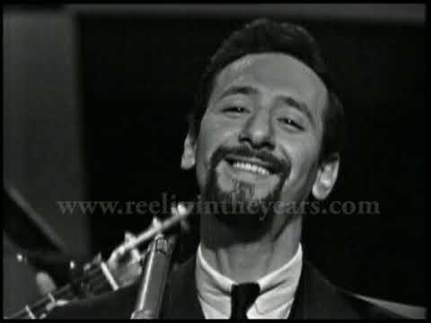"Peter, Paul & Mary- ""Puff The Magic Dragon"" Live 1963 (Reelin' In The Years Archive)"