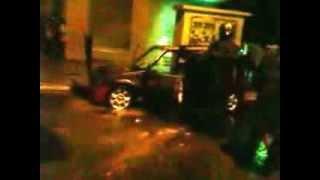 [Vidéo D-Jéry 2.0]:Une voiture prend feu, en roulant, à Dieuppeul avec à l'intérieur 350 000 Fcfa