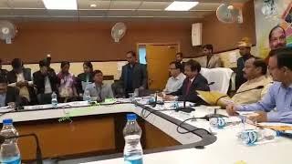 शो कॉज नहीं सीधे  सस्पेंड करो, मुख्यमंत्री रघुवर दास ने रामगढ़ एसपी निधि दिवेदी को दिया निर्देश