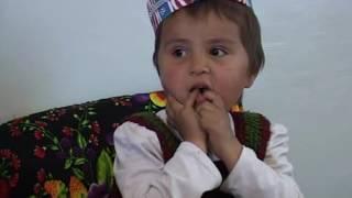 Счастливая бабушка Бибиниссо. Село Курбаншаид Восейского района (Таджикистан)