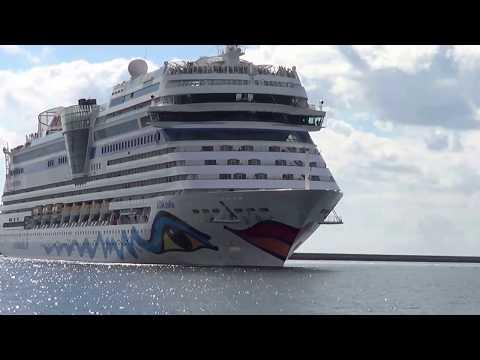 AIDAStella - AIDA Cruises entra in porto  Terminal Crociere Cagliari