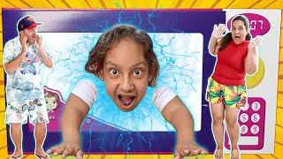Maria Clara Diverte com Histórias sobre Brinquedos Mágicos   Collection Video for Kids -MC Divertida