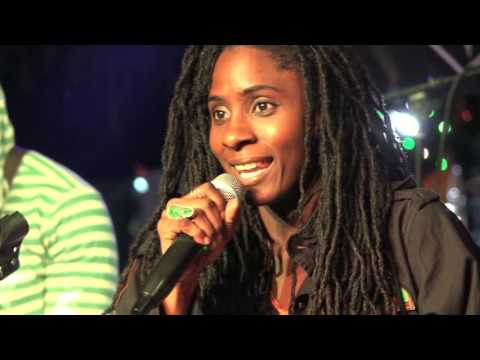Jah9 and The Dub Treatment [LIVE]
