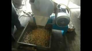 машина для производства щепы(, 2012-10-22T09:57:23.000Z)