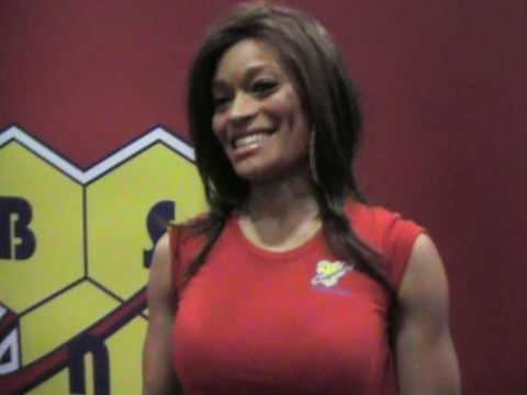 2010 Fit Expo – Covergirl & Fitness Model Alicia Marie discusses the latest