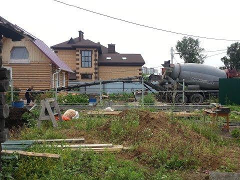 Самый большой в Томске бетонный миксер с транспортёрной лентой