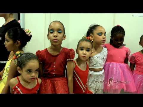 Video Clipe do Espetáculo do Espaço Dança Muniz Menezes - Brasil, Mostra a sua cara!