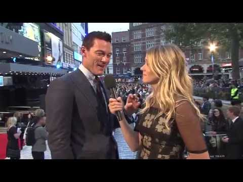 The Girl On The Train World Premiere Luke Evans Interview